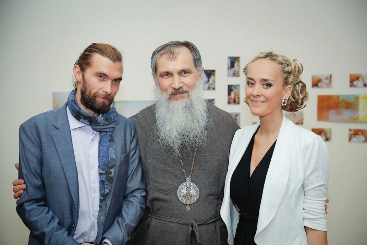 Bishop Benedict Aleksiychuk, eparch of St. Nicholas Ukrainian Catholic Eparchy, with Daniel Green and Daria Marchenko.