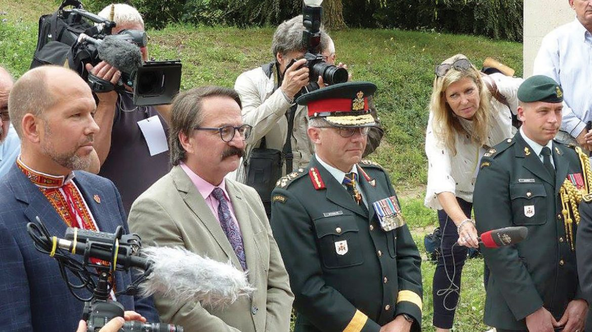 At the Konowal Walk dedication ceremonies (from left) are: Paul Grod, president, Ukrainian Canadian Congress; Prof. Lubomyr Luciuk, chairman, Ukrainian Canadian Civil Liberties Foundation; and the presiding officer, Lt. Gen. Paul Wynnyk, commander, Canadian Army.