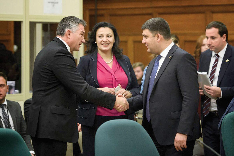 Ukraine's Prime Minister Volodymyr Groysman (right) and Vice Prime Minister for European and Euro-Atlantic Integration Ivanna Klympush-Tsintsadze with Canadian MP James Bezan.