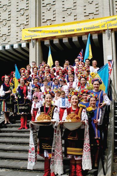 The Ukrainian community in Melbourne, Australia, welcomes President Petro Poroshenko on December 11.