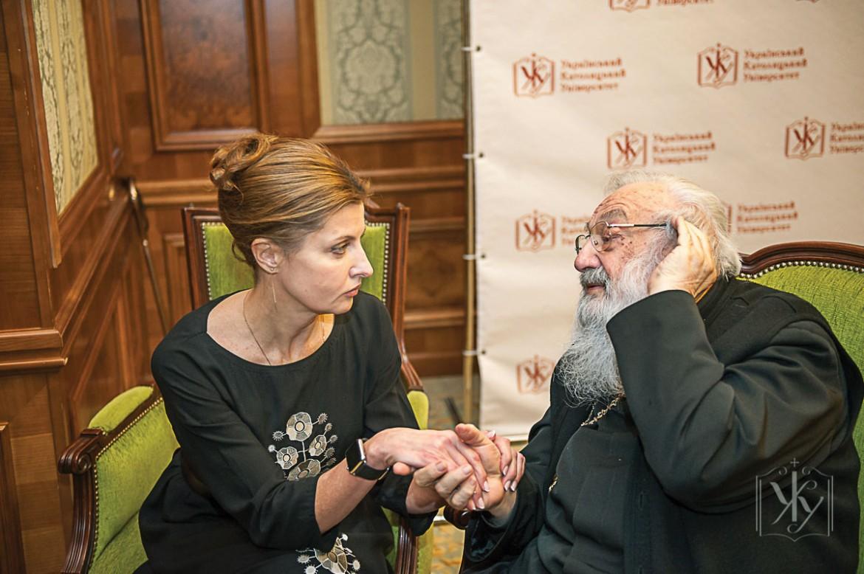 First Lady of Ukraine Maryna Poroshenko talks to Ukrainian Catholic Major Archbishop Emeritus Lubomyr Husar at the UCU Charity Evening and Silent Auction.