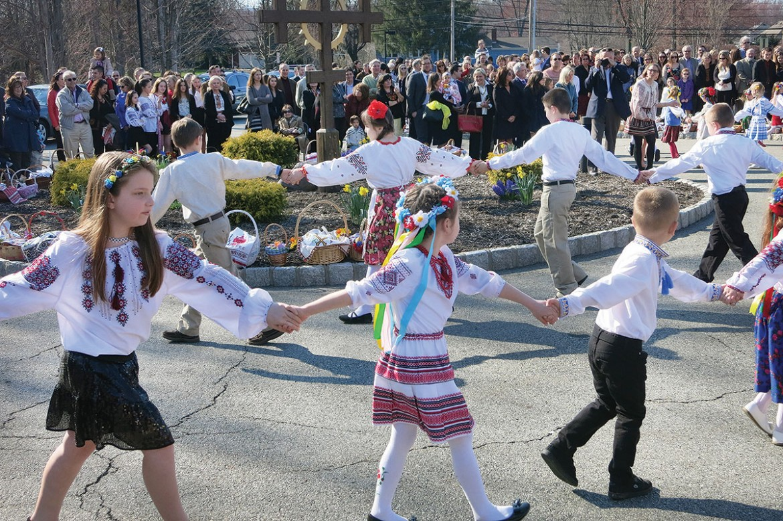 "Children of the parish perform ""hahilky."""