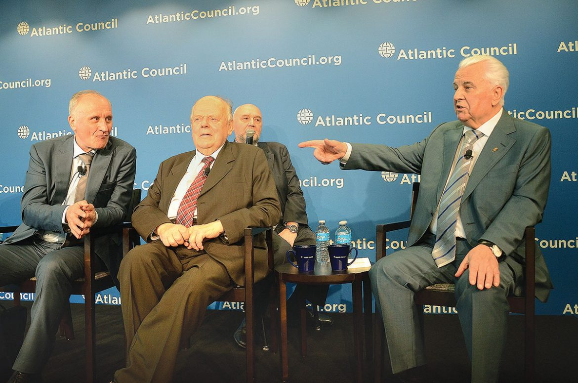 Ukraine's first president after the dissolution of the Soviet Union, Leonid Kravchuk (right), analyzes the country's conflicts along its border with Russia and Moscow's annexation of Crimea during a panel discussion at the Atlantic Council with two other post-Soviet leaders, Russia's first deputy prime minister Gennady Burbulis (left) and the first Belarusian president Stanislau Shushkevich (center).