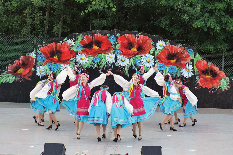 "The workshop dances ""Halychanka."""