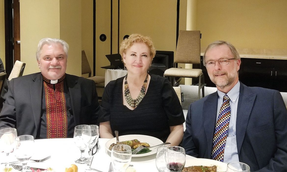 Guest speaker Jurij Dobczansky (right) with the Rev. Anibal Soutus and Sonya Hlutkowsky Soutus, who served as the mistress of ceremonies.