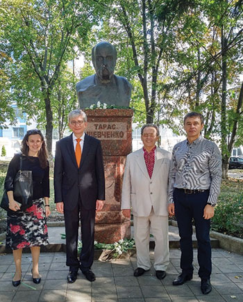 At the Taras Shevchenko monument in Chisinau, Moldova (from left) are: Maryna Iaroshevych, Eugene Czolij, Oleksandr Maystrenko and Stanislav Bryzhatiuk.