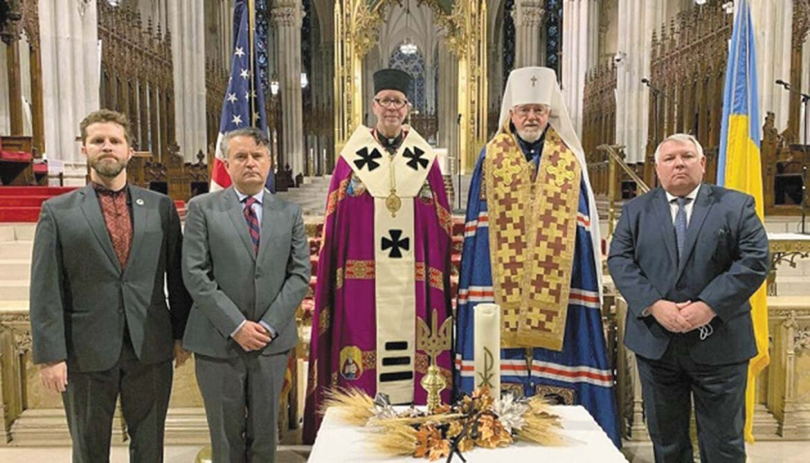 From left: Andriy Dobriansky, Ukraine's Ambassador to the UN Sergiy Kyslytsya, Bishop Paul Chomnycky, Metropolitan Antony, and Consul General of Ukraine in NY Oleksii Holuboy at annual Holodomor commemoration at St. Patrick's Cathedral